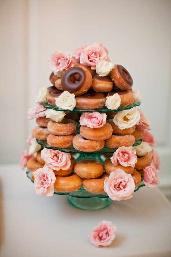 Doughnut-Wedding-Cake-600x900